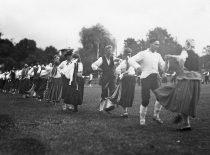 Lietuvos jaunimo delegacijos pasirodymas Pabaltijo tautinės kultūros šventėje Taline, 1926 m.