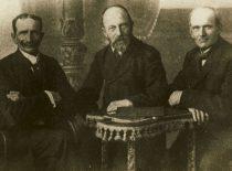 Mažosios Lietuvos atstovai Lietuvos valstybės taryboje Kristupas Lekšas, Martynas Jankus ir Jurgis Strekys, 1919 m. (Originalas – KTU bibliotekoje)