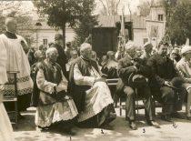 A. Dambrauskas-Jakštas, J. Mačiulis-Maironis,V. Matulaitis ir A. Žilinskas Pažaislyje, 1930 m. (Originalas – KTU bibliotekoje)