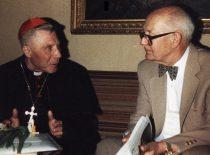 A. Damušis su kardinolu V. Sladkevičiumi, XX a. 10-asis dešimtmetis. (Iš A. Damušio šeimos archyvo)