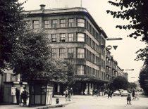 Į šiuos rūmus (Laisvės al. 55) 1969 m. persikėlė Inžinerinės ekonomikos fakultetas