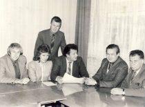 Vadybos katedra, 1986 m. Iš kairės: doc. P. Chmieliauskas, lekt. V. Aleknavičienė, doc. V. Misevičius, vedėjas doc. R.Venckus, doc. A. Sakalas, doc. B. Kudžma.