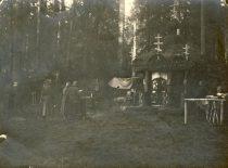 1-ojo pasaulinio karo metu J. Nemeikša tarnavo Rusijos kariuomenėje. Nuotraukoje: rusų kariuomenės cerkvė karo lauko sąlygomis, 1915 m.