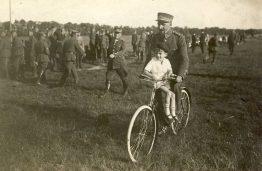 Kariuomenės šventėje Alytuje, 1924 m.