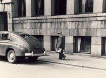 Prof. K. Vasiliauskas atvyko į darbą Kauno politechnikos instituto Hidrotechnikos fakultete, 1951 m.