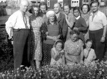 R. Chomskis su žmona ir giminėmis Palangoje