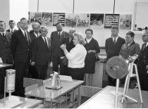 KPI delegacija su vadovais rektoriumi M. Martynaičiu ir prorektoriumi R. Chomskiu Maskvos inžineriniame institute, 1971 m.