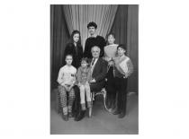 R. Chomskis su vaikaičiais, XX a. 9-asis dešimtmetis.