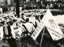 """Baltijos šalių dainų ir šokių šventėje """"Gaudeamus"""" Latvijoje, 1991 m."""
