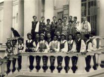 KPI ansamblis V pasaulio jaunimo ir studentų festivalyje Varšuvoje, 1955 m. (Originalas – J. Grinevičiaus archyve)