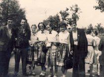KPI dainų ir šokių ansamblis Pasaulio jaunimo festivalyje, Maskvoje, 1957 m. (Originalas –D. Bingelienės archyve)