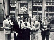 Aukščiausiosios Tarybos-Atkuriamojo Seimo deputatai pasvaliečiai,1990 m. Iš kairės: A. Karoblis, L. Sabutis, K.Saja, R. Rastauskienė Juknevičienė, E. Petrovas, P. Varanauskas, Z. Juknevičius.
