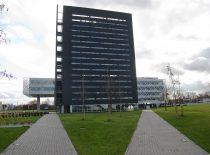 """KTU integruoto mokslo, studijų ir verslo centro """"Santaka"""" nacionalinis atviros prieigos mokslinių tyrimų ir eksperimentinės plėtros centras, 2013 m. (Nuotr. J. Klėmano) Šio pastato IV aukšte įsikūrė prof. K. Baršausko ultragarso mokslo institutas."""