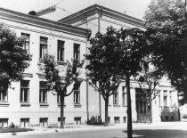 Šiuose rūmuose 1960 m. buvo įkurta Probleminė ultragarso laboratorija.