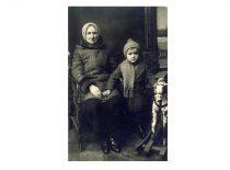 Su močiute, 1935 m.