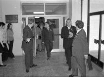 SSRS Aukštojo mokslo ministro apsilankymas KPI Prof. K. Baršausko ultragarso probleminėje laboratorijoje,1975 m. (Bartkevičiaus nuotr.)