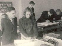 Kauno valstybinio Vytauto Didžiojo universiteto Architektūros kompozicijos būrelis, 1949 m. (Originalas – KTU muziejuje)