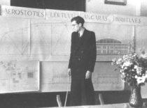 Statybos fakulteto studento B. Januševičiaus diplominio darbo gynimas buvusios arkivyskupijos salėje, 1953 m. (Nuotr. iš B. Januševičiaus asmeninio archyvo)