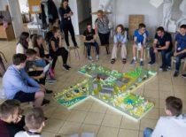 """2016 m. KTU Statybos ir architektūros fakultetas pradėjo organizuoti vasaros stovyklas """"Architektūros akademija"""""""