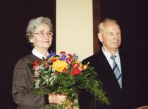 Vyda ir Kazimieras Ragulskiai, 2001 m.