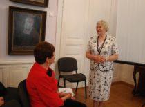 Doc. L. Naginevičienė ir prof. O. Voverienė prof. V. Ragulskienės 80-mečio minėjime Kauno miesto muziejuje, 2011 m.