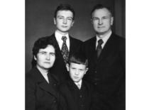 Ragulskių šeima, 1975 m.