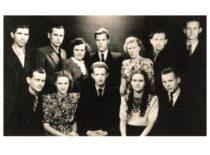 KPI Mechanikos fakulteto tekstilininkų grupė, 1954 m. I eilėje (iš kairės) 2 – V. Kęsgailaitė.