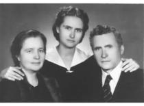 Su tėvais, 1954 m.